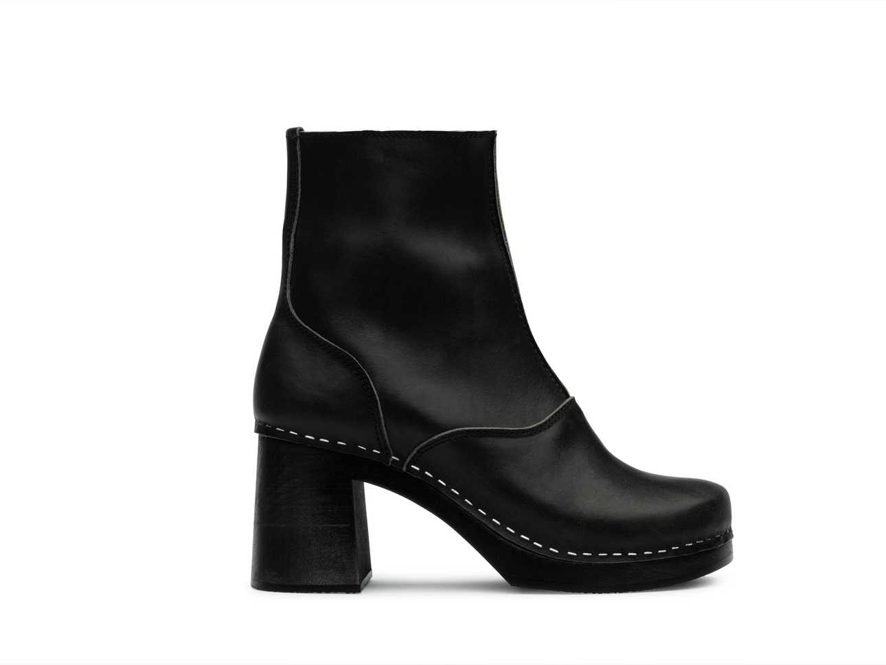 60s boot Black/ black sole